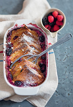 Bread and butter pudding aux fruits rouges