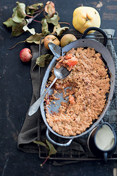 Crumble pomme-coing-noisette